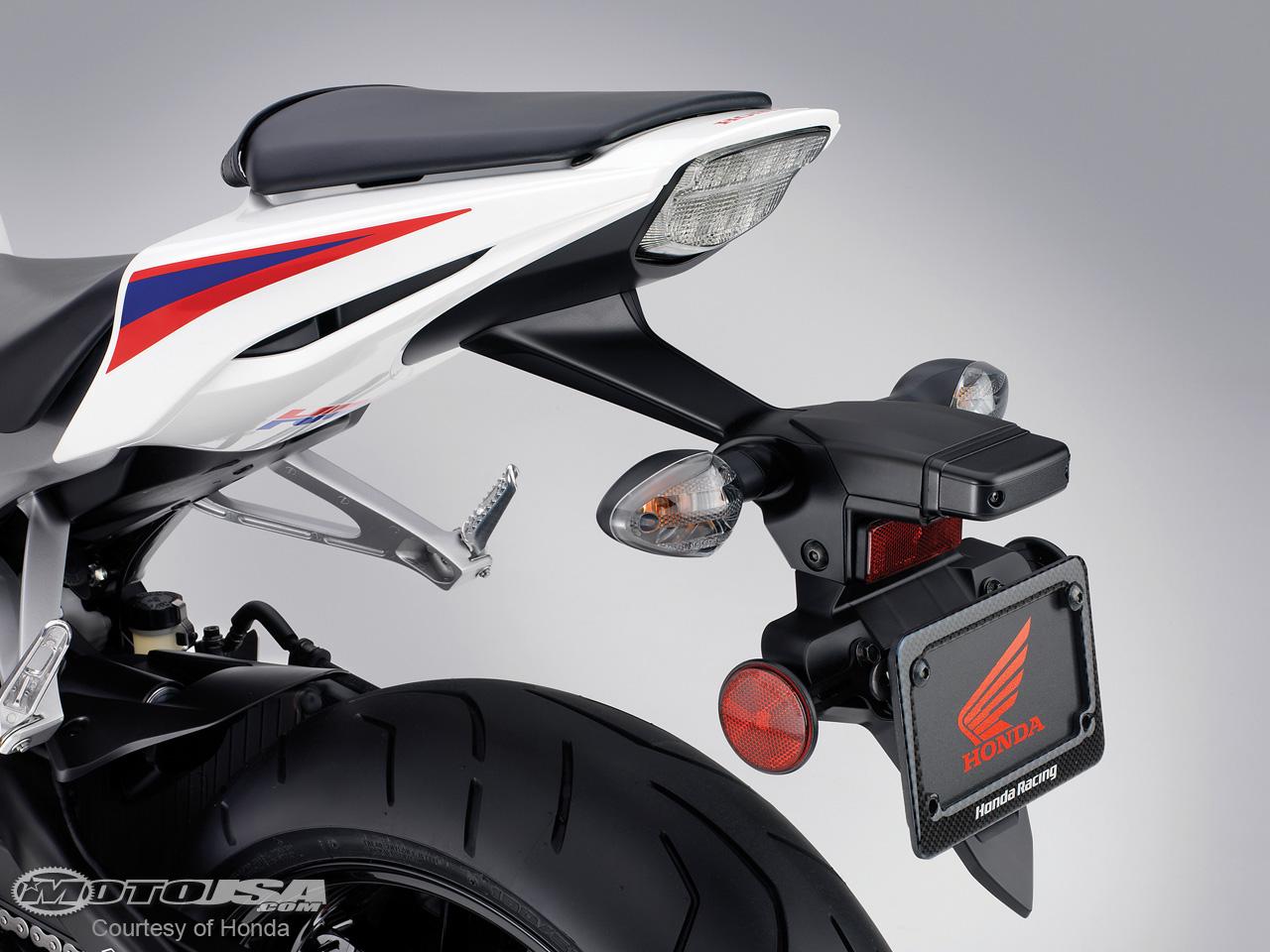 款本田CBR1000RR摩托车图片3