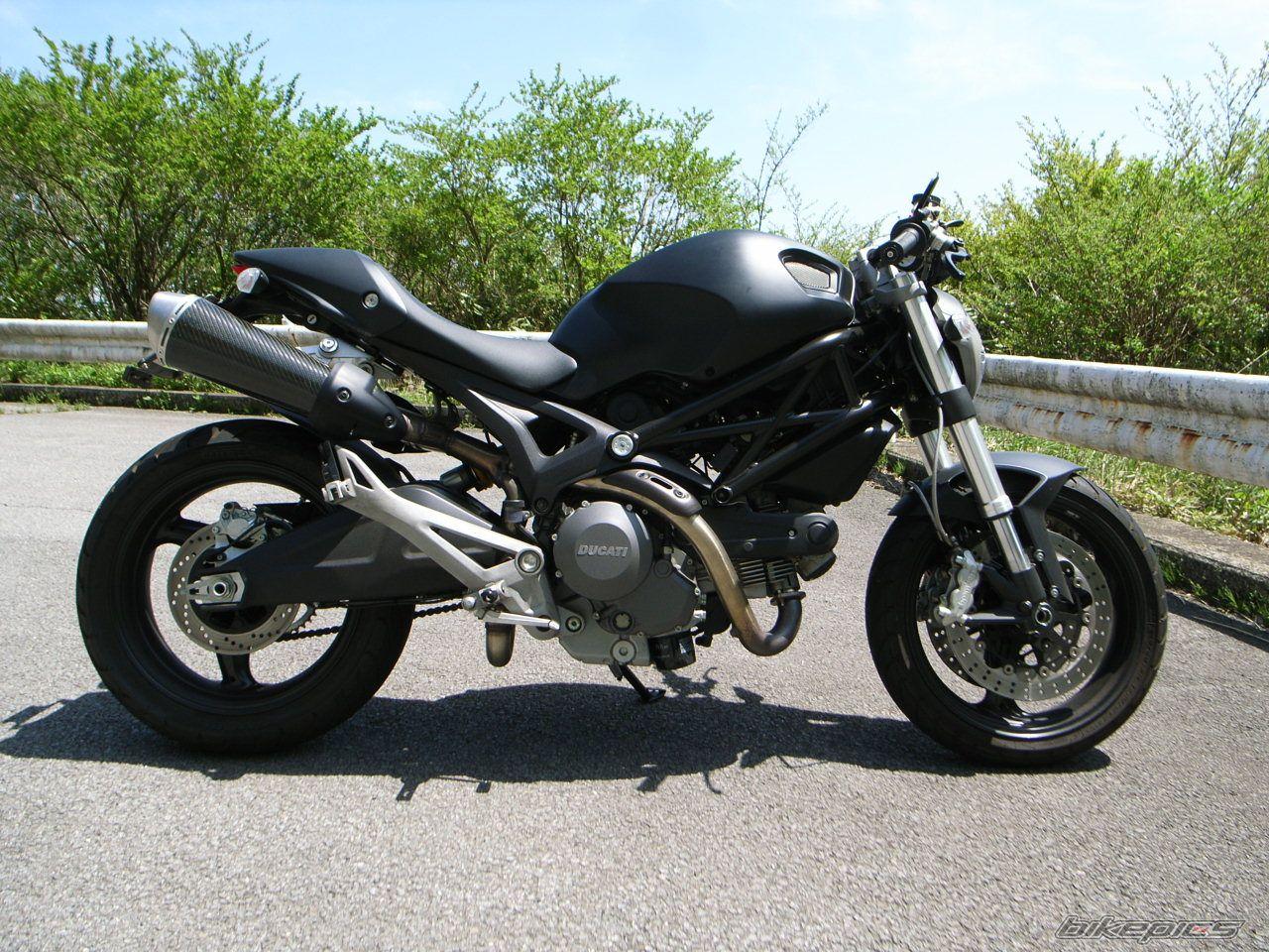 款杜卡迪Monster 696摩托车图片3