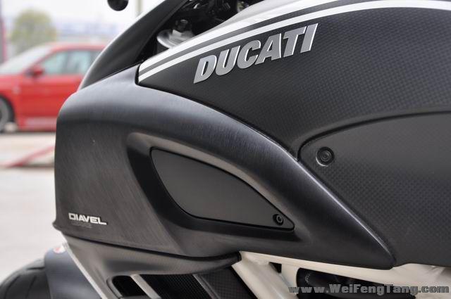 全新AMG限量版杜卡迪大魔鬼再次到货 黑白色 Diavel图片 2