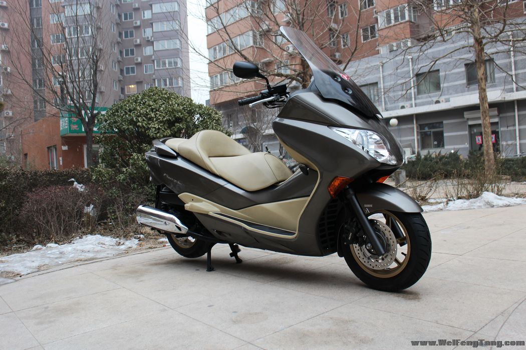 Honda forza nss300 owner reviews motor scooter guide for Motor scooter blue book