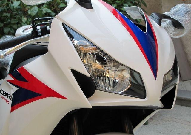 2012款全新白色本田CBR1000RR 20周年纪念版 CBR1000RR图片 1