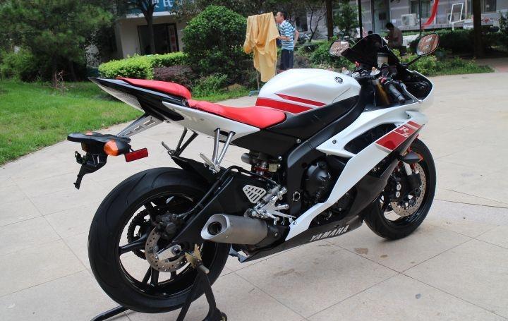 新到2010款雅马哈YZF-R6,改装挡风玻璃 红白黑三色 两千多公里 YZF-R6图片 1