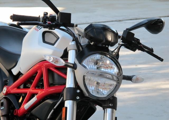 新到2012年款杜卡迪怪兽 MONSTER 796 ABS版 红白黑三色 Monster 796图片 2