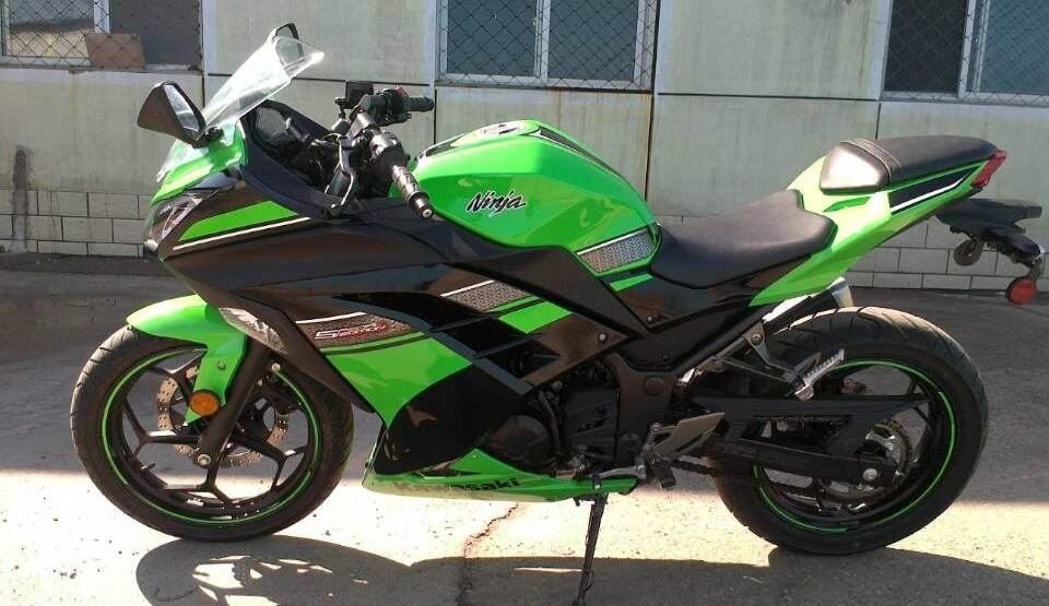 款川崎Ninja 250R摩托车图片2