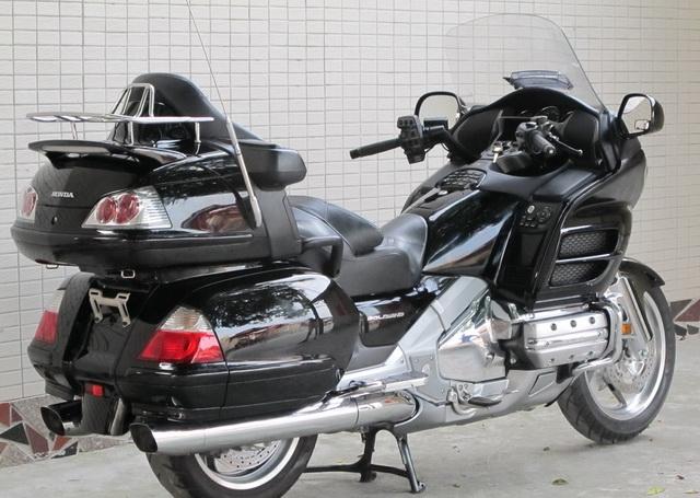 新到2006年本田金翼 GL-1800 黑色 Gold Wing 1800图片 3