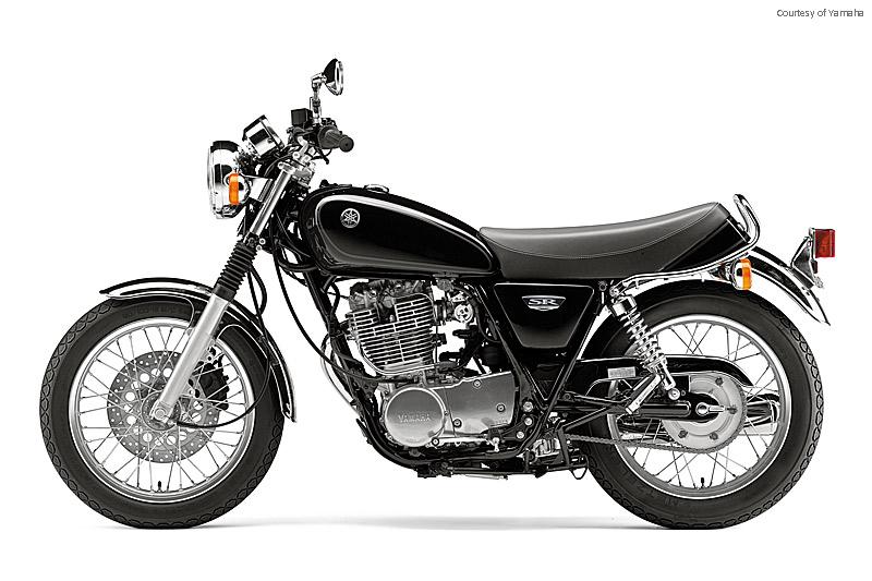 雅马哈SR400摩托车