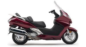 本田Silver Wing摩托车