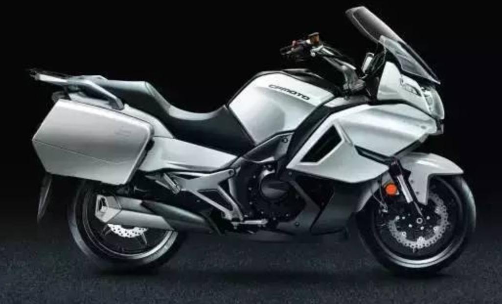 春风650TR-G摩托车
