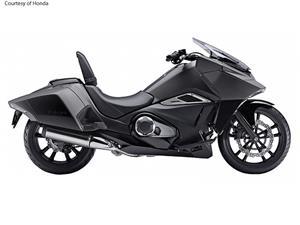 本田NM4摩托车