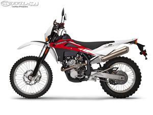 胡斯瓦纳TE250摩托车