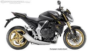 本田CB1000R摩托车